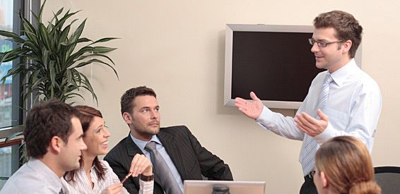 Consejeros y ejecutivos: Servicios de Network Thinking Consulting