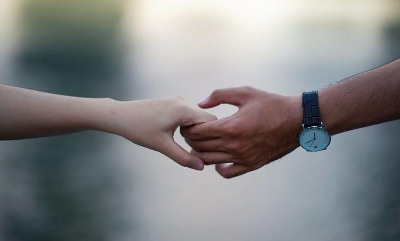Compartir el dolor es real: descubren que las parejas sincronizan sus ondas cerebrales