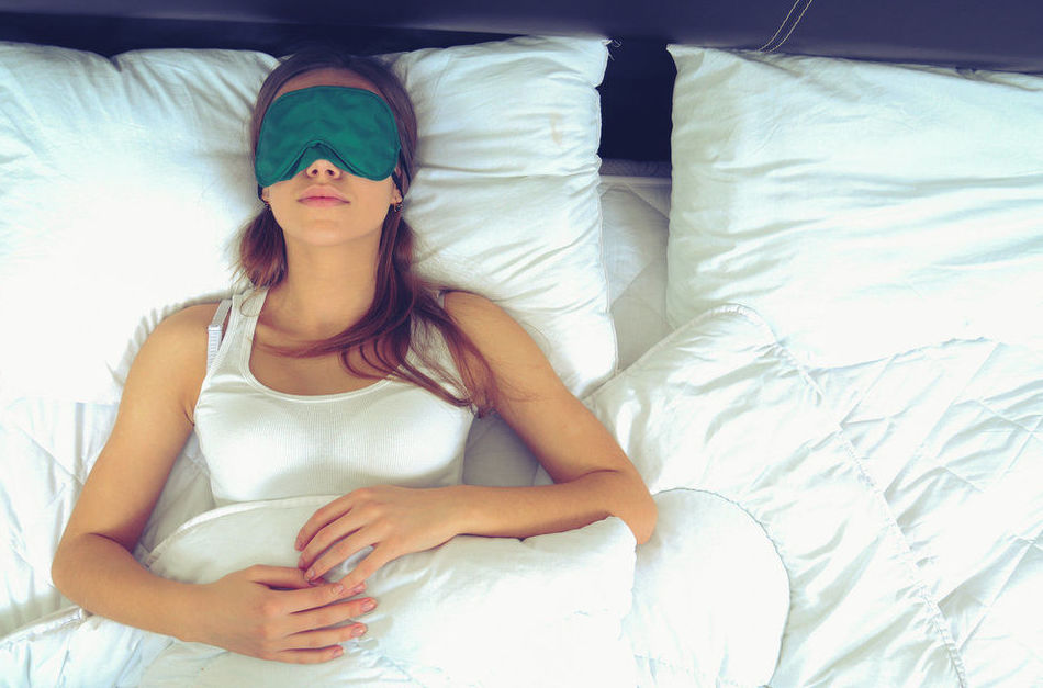 """Las mujeres necesitan dormir más que los hombres porque tienen un cerebro más """"activo"""""""