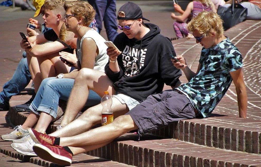 """Millenials sin redes sociales: """"He perdido contacto con la sociedad de mi edad"""""""