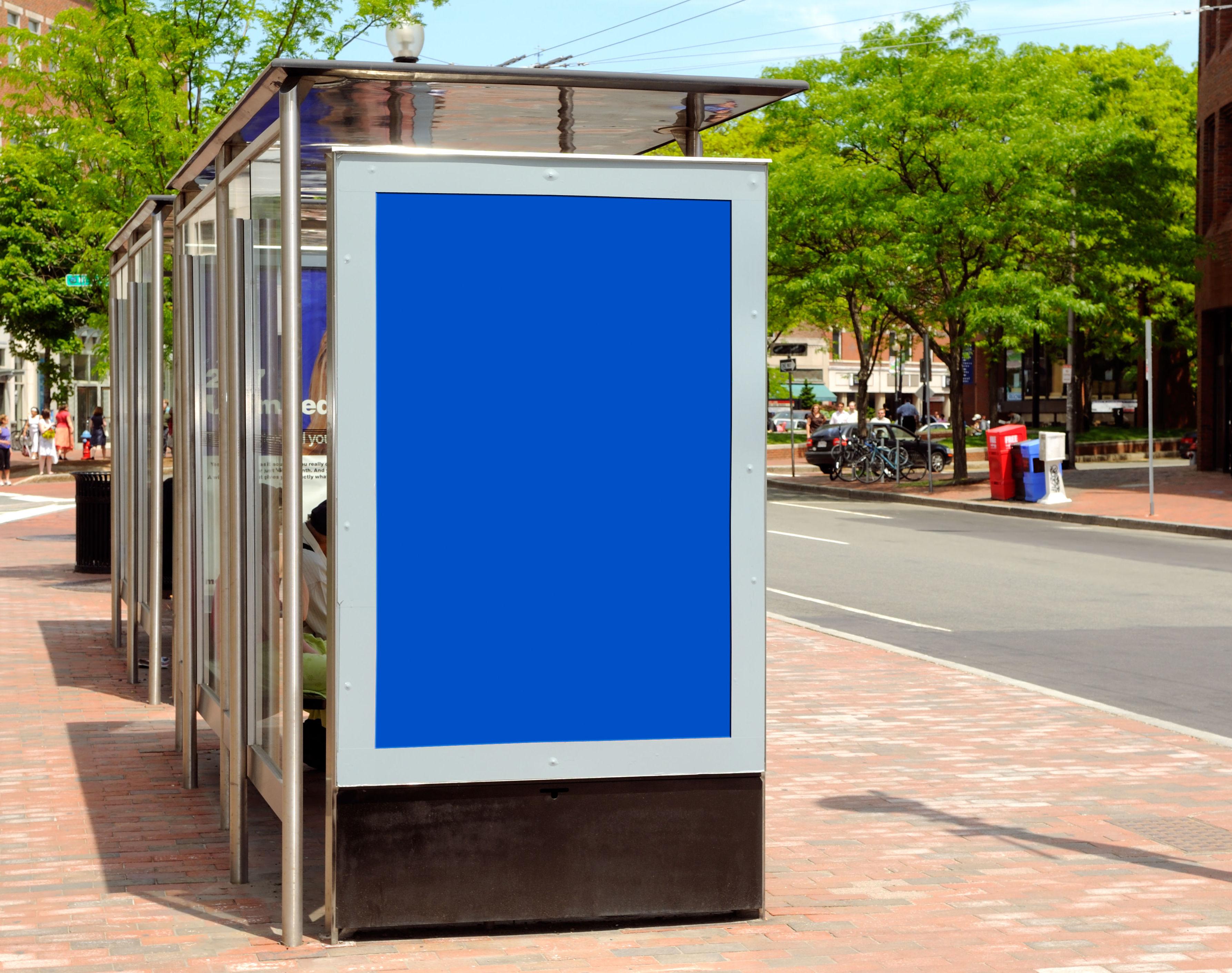 Mobiliario urbano: Servicios de V5 Publicidad