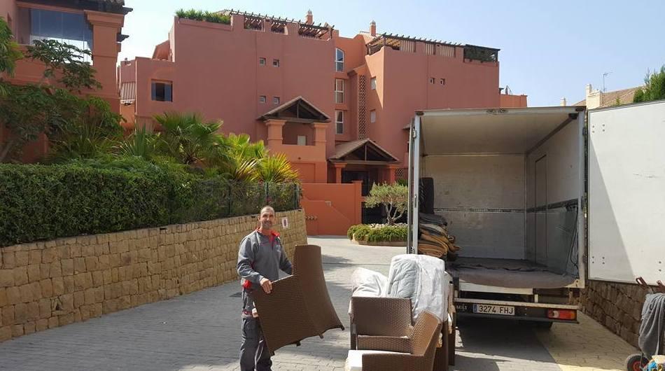 Mudanza en Torrox http://www.mudanzasyporteslevante.es/es/