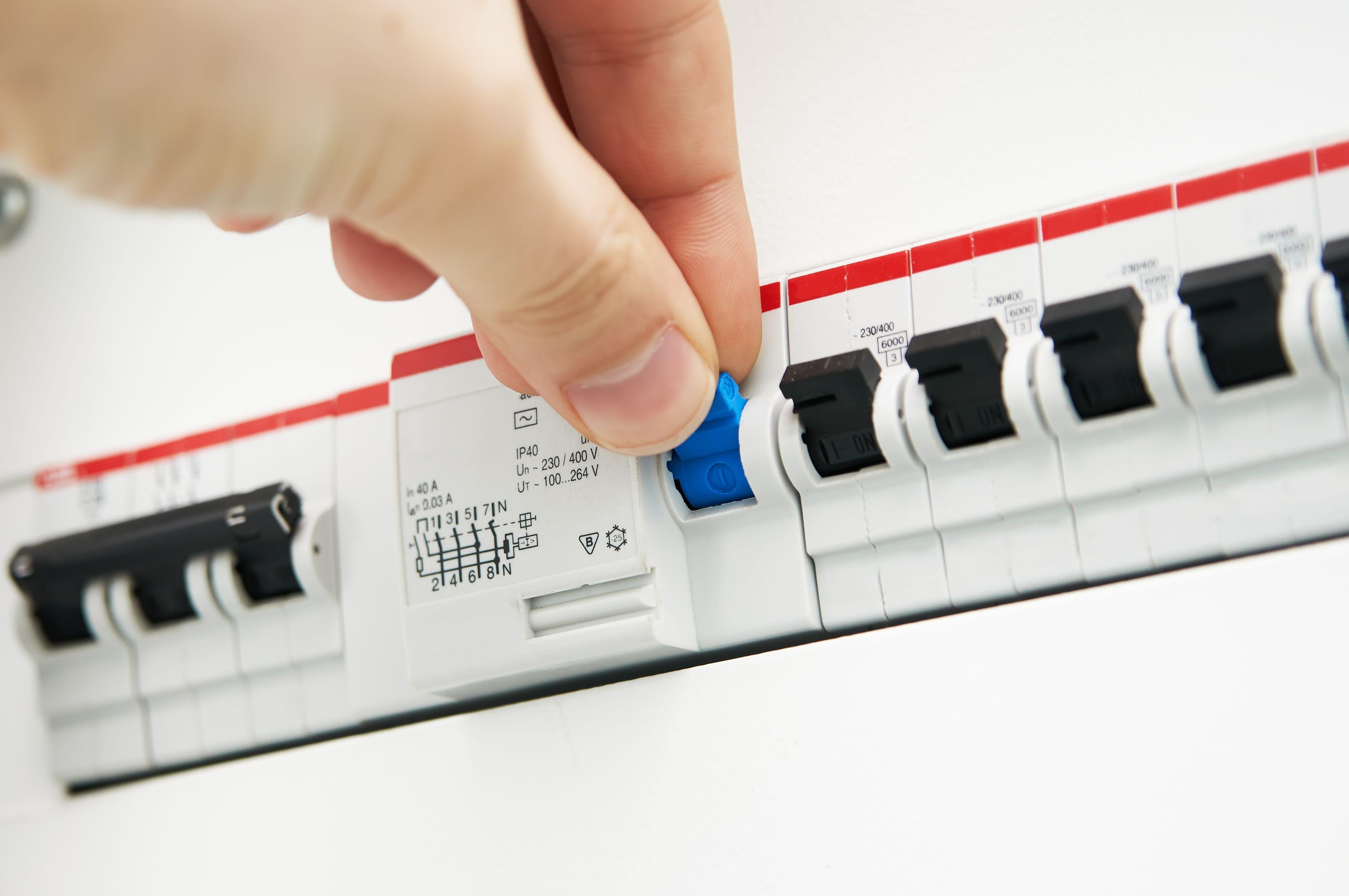Mantenimientos eléctricos: Servicios de Electronieto