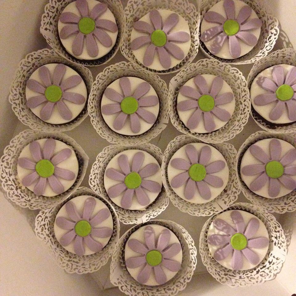 Foto 11 de Tartas personalizadas y mesas dulces en    Con T de Tarta