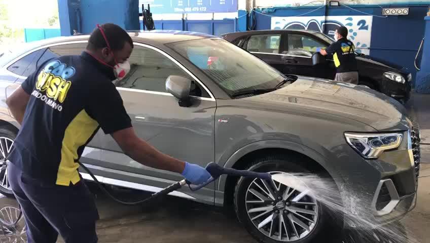 Limpieza con espuma activa: Catálogo de Car Wash Alcorcón }}
