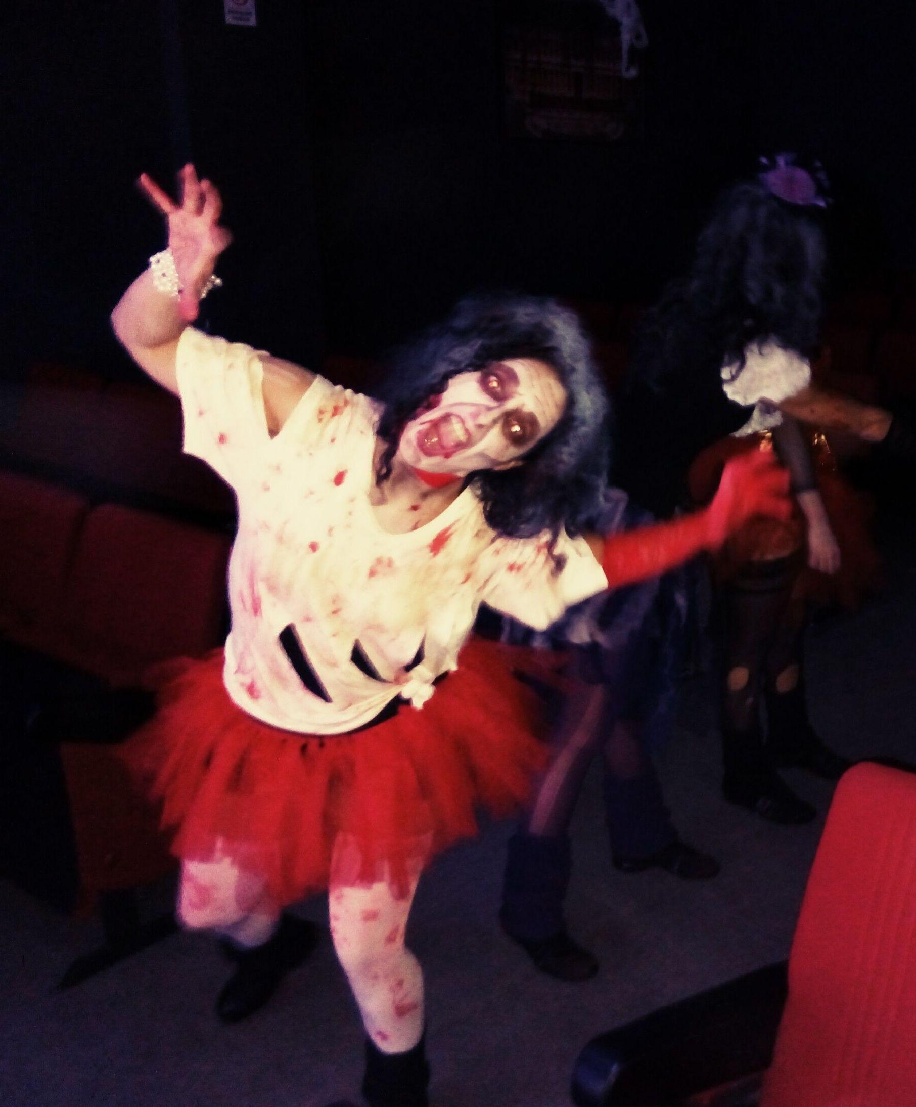 Cumpleaños para adultos: Cartelera y actividades de Teseo Teatro