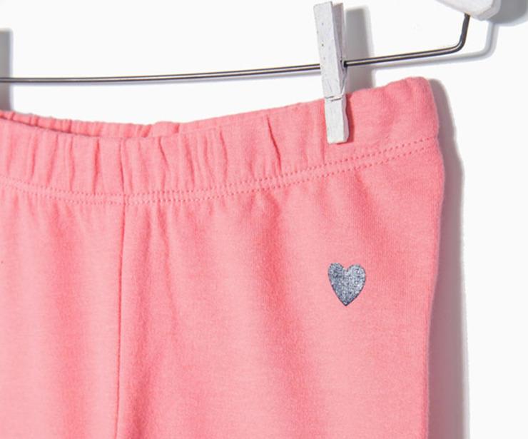 Detalle leggings de punto rosa antes 7.99 € ahora 5.59€