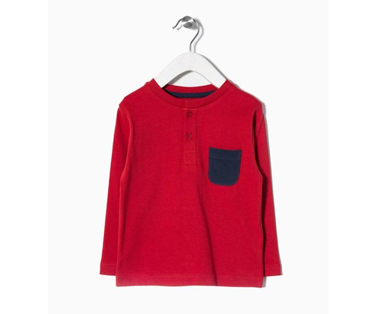 Camiseta manga larga roja bolsillo azul antes 5.99 € ahora 3.48€