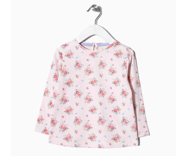 Camiseta manga larga con flores rosa 17.99 €