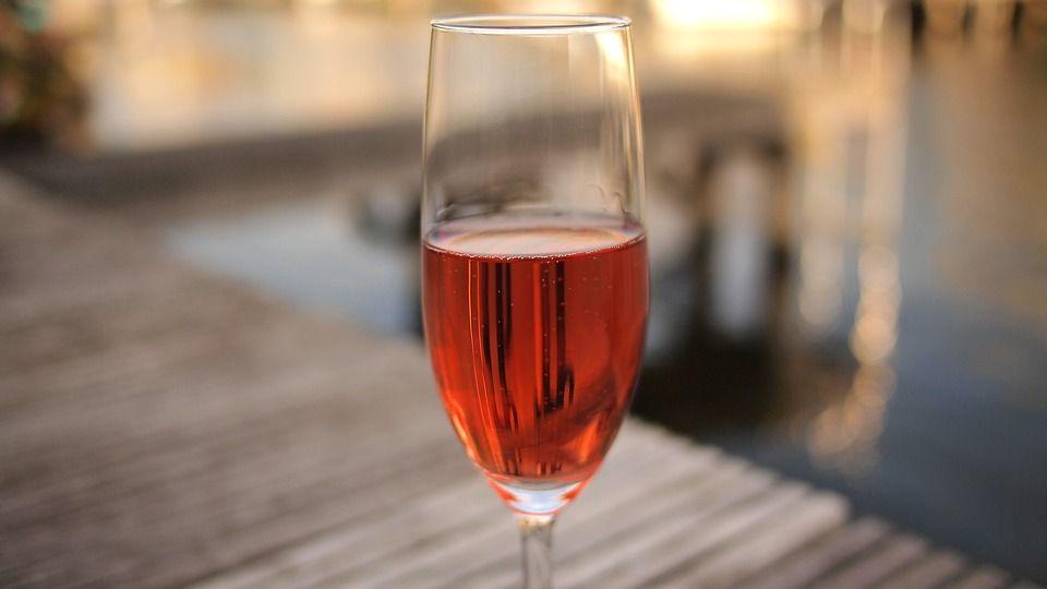 Selección de vinos rosados: Servicios de Taberna Sacromonte