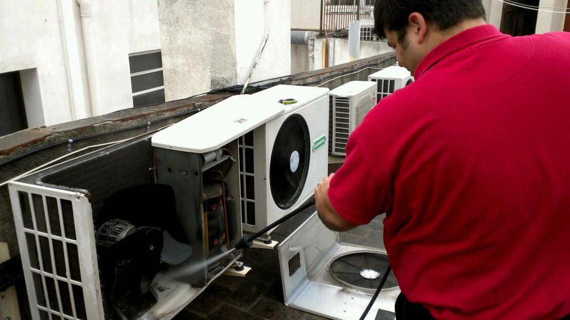 Mantenimiento de equipos de aire acondicionado en Eixample, Barcelona