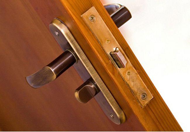 Puertas de madera en gracia barcelona ideas para elegir - Puertas madera barcelona ...