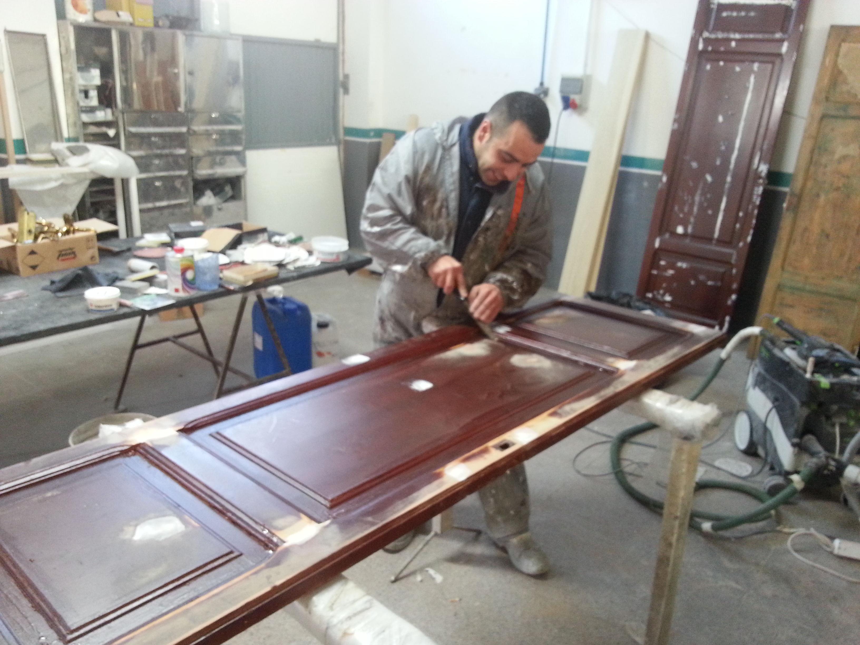 Proceso de restauraci n y lacado de puertas de madera for Restaurar puertas de madera interior