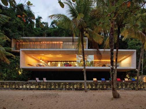 Dispone de un terreno for Beach villa design