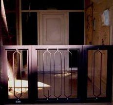 Colocamos Cancelas a juego para su intimidad a la hora de buscar las llaves de su Portal en Sant Marti