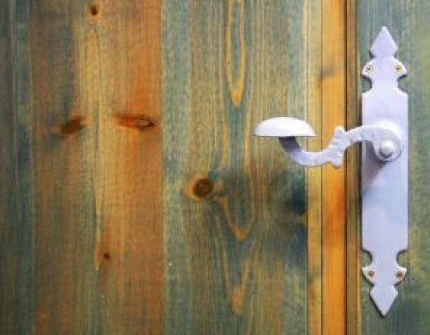 Puertas de madera eixample barcelona puertas miret - Puertas madera barcelona ...