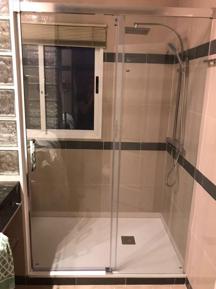 Sustitución de bañera por plato de ducha: Servicios de Sucar