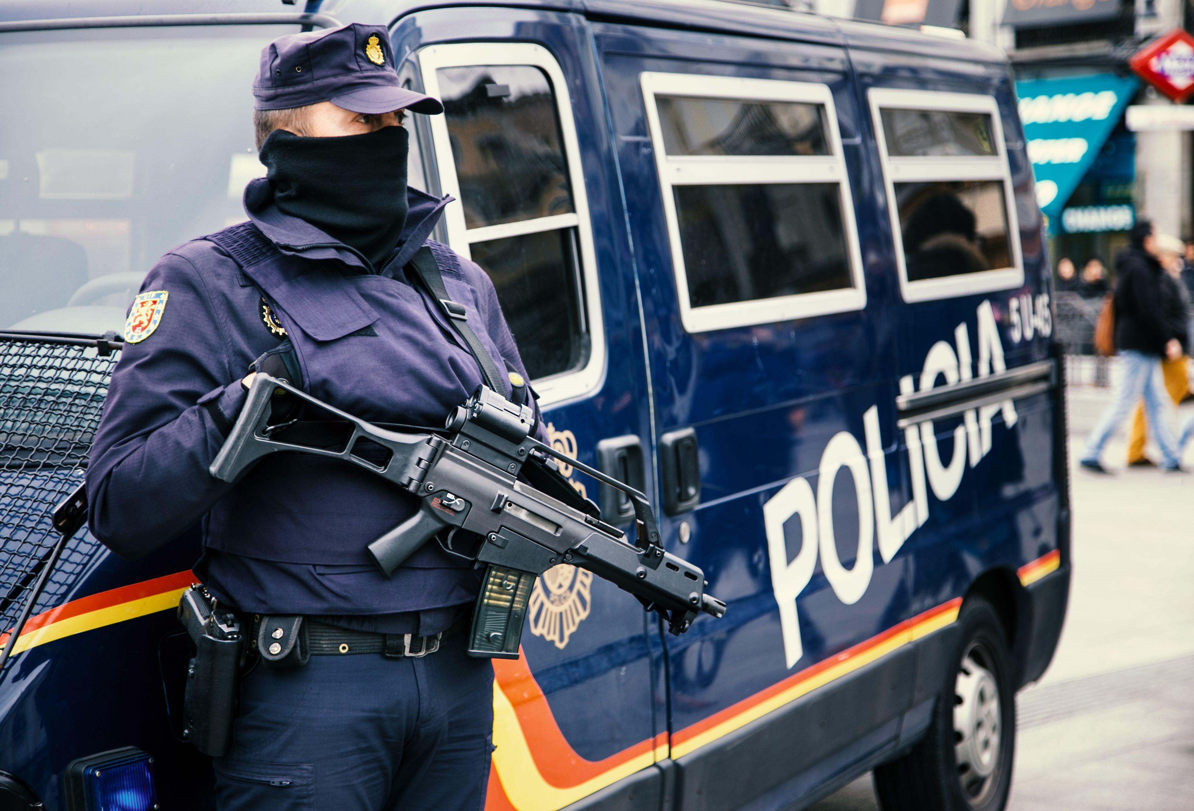 Policía nacional o  local: Servicios de Reconocimientos Médicos La Isleta