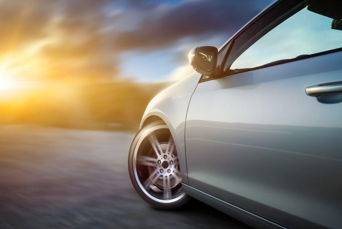 Vehículo de cortesía: Servicios de MCE Autos