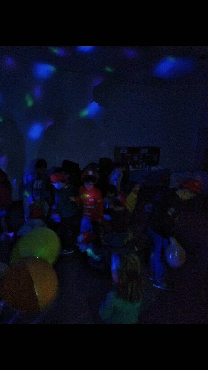 Discoteca - Karaoke (No disponible en todas las localizaciones): Catálogo de Actividades de Piratilla Azul