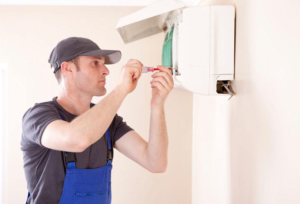 Reparación y mantenimiento de aire acondicionado: Productos y servicios de Instalaciones y Servicio Técnico Ballester