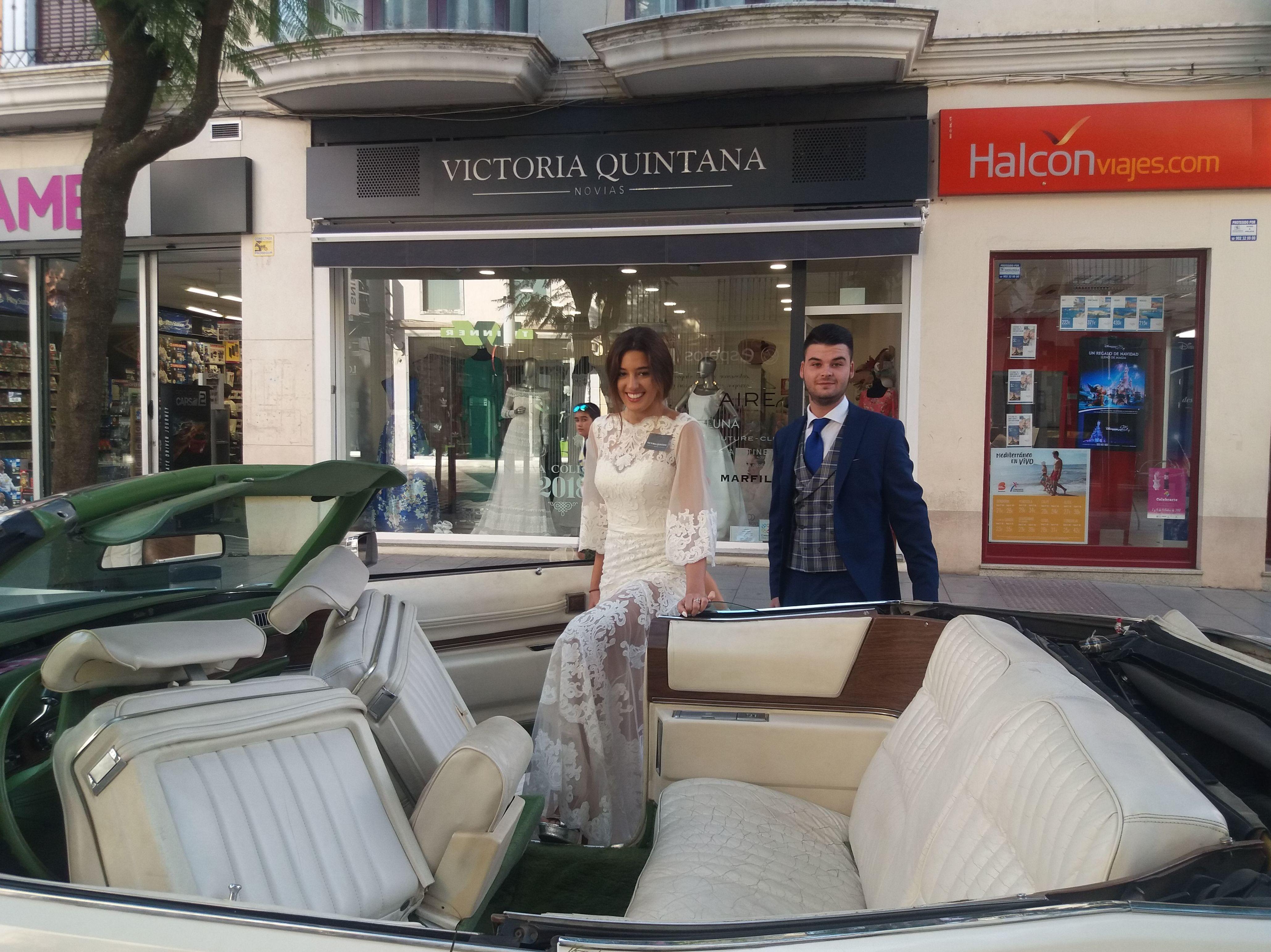 Foto 1 de Bodas en Don Benito | Victoria Quintana Novias