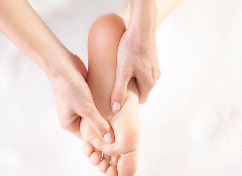 Reflexología en pies y manos: Tratamientos de Ocean Soul Care