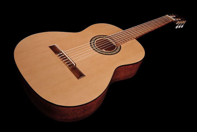 Guitarra clásica Gewa