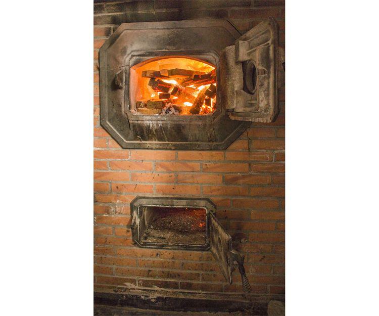 Horno de leña de nuestra panadería en Lugo