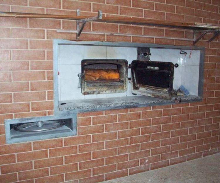Horno de leña para elaboración de pan en Lugo