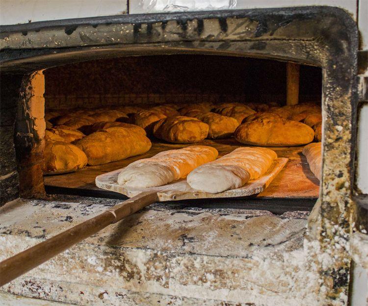 Panadería con horno de leña en Lugo