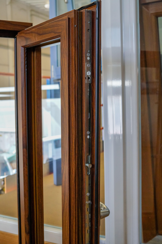 Marco de ventana de PVC acabado madera
