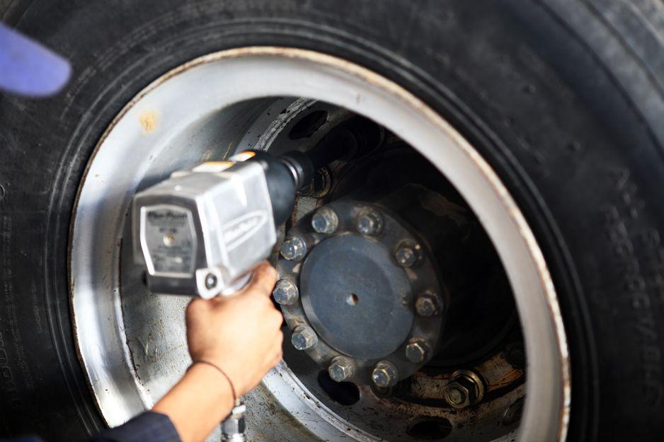 Venta y montaje de neumáticos de camiones en Getafe