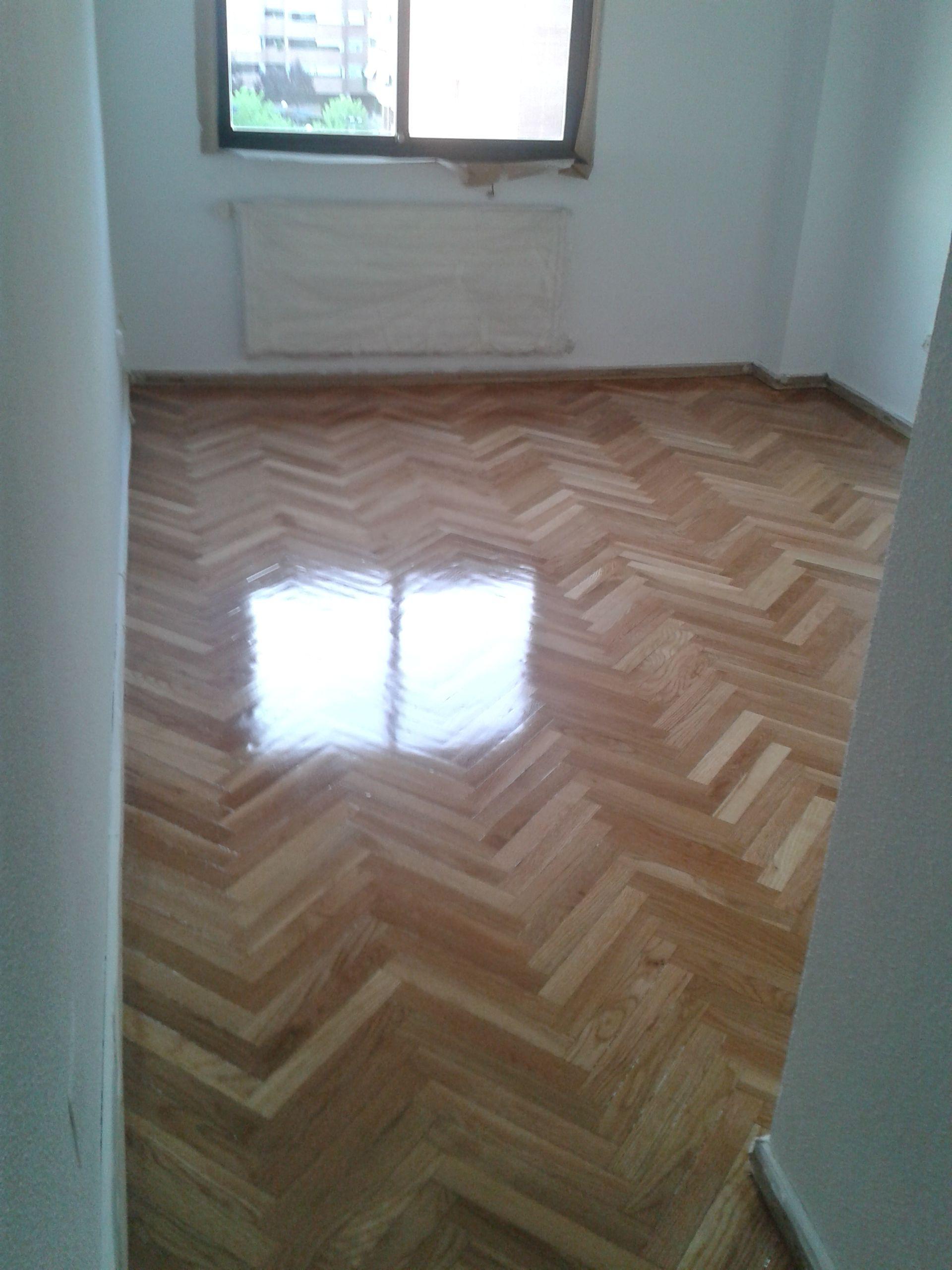 Instalación de parquet y suelos de madera