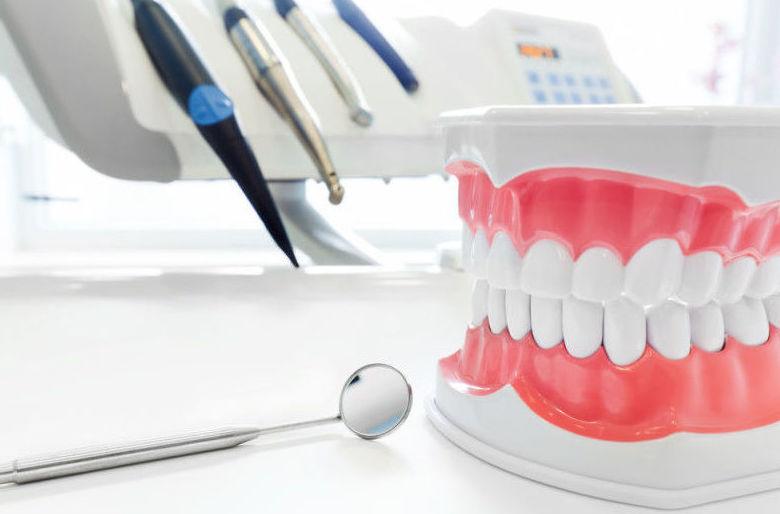 Foto 14 de Clínicas dentales en  | Trabajamos con las principales mutuas y aseguradoras de salud