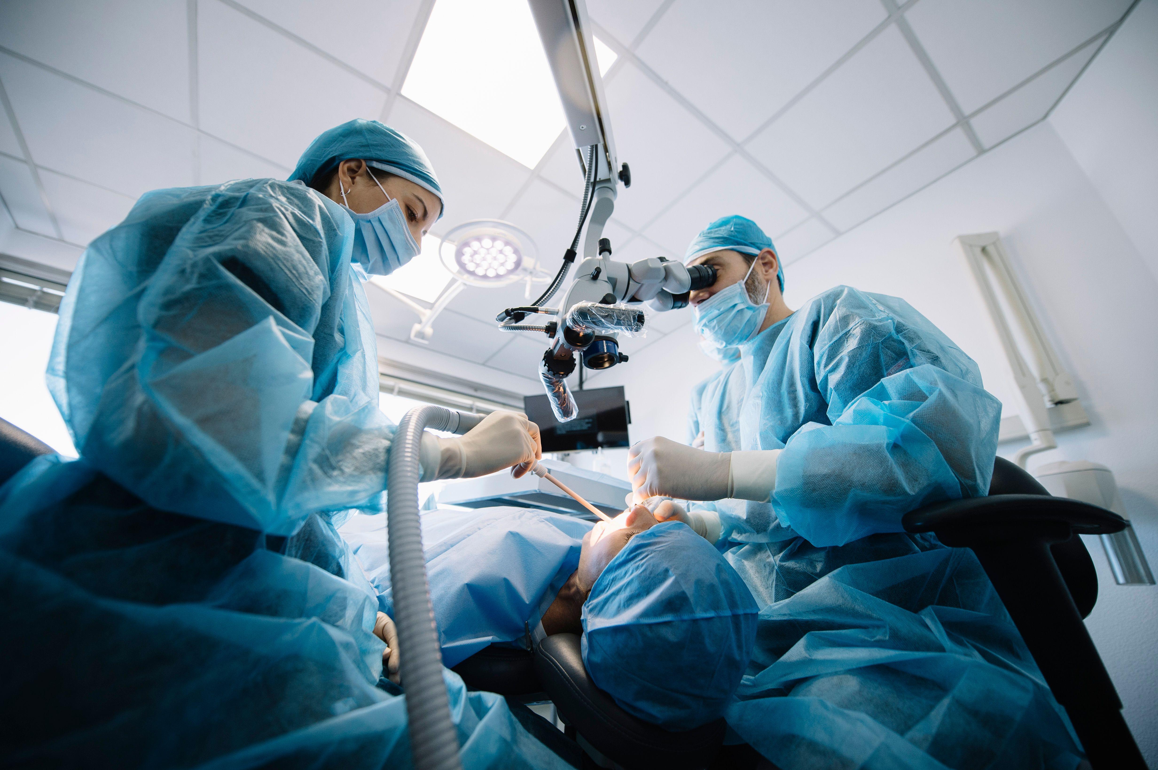 Cirugía oral: Tratamientos de Trabajamos con las principales mutuas y aseguradoras de salud