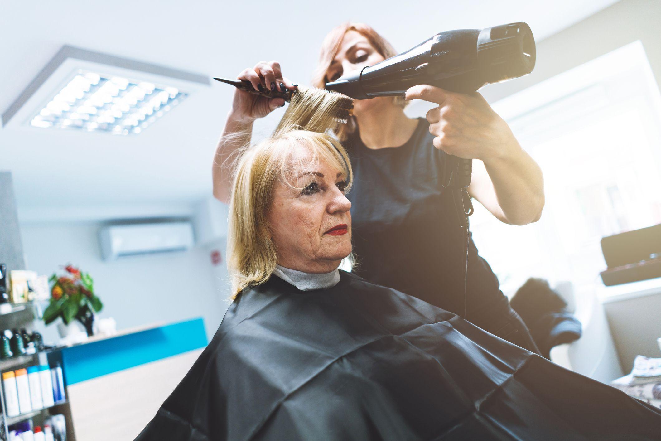 Servicio de peluquería residencias Sant Gervasi Barcelona