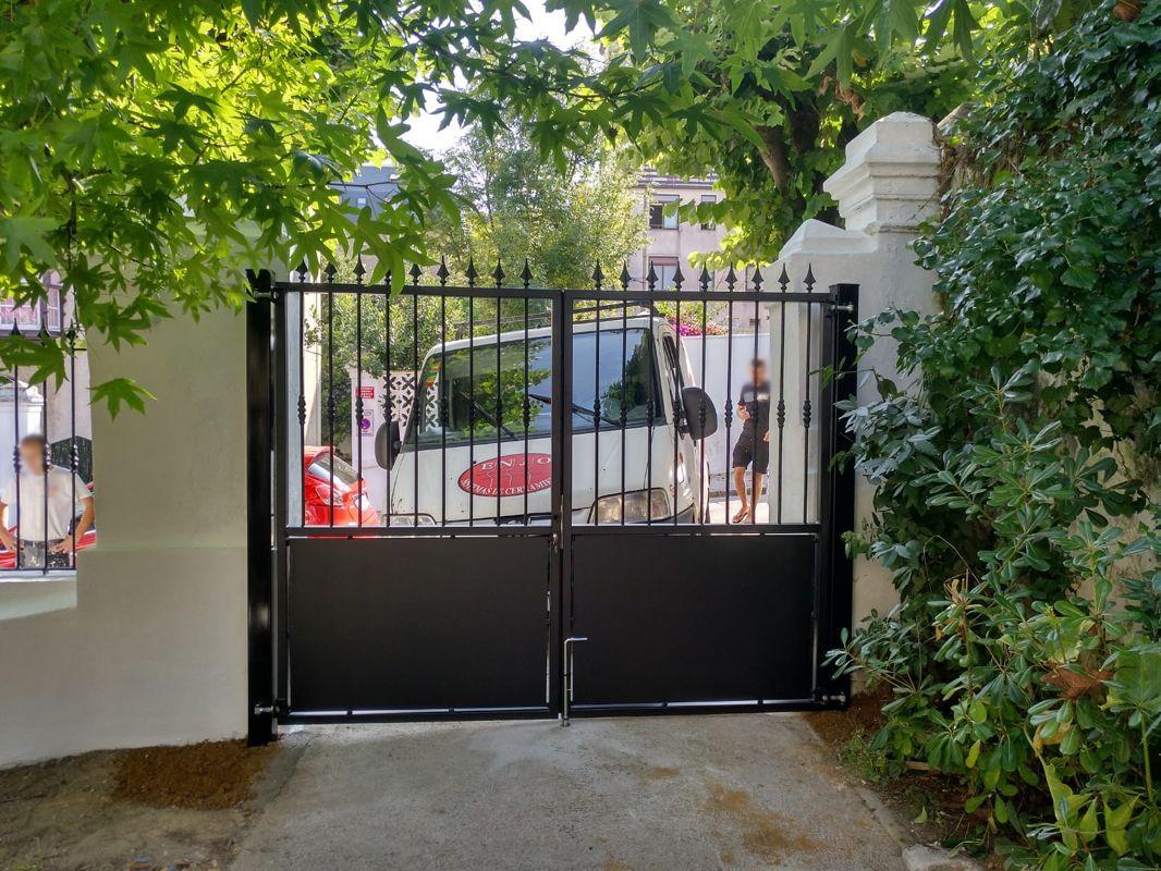 Puertas metálicas en Cantabria