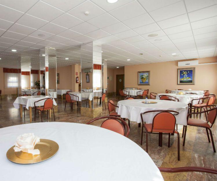 Gran sala de comedor en Granada