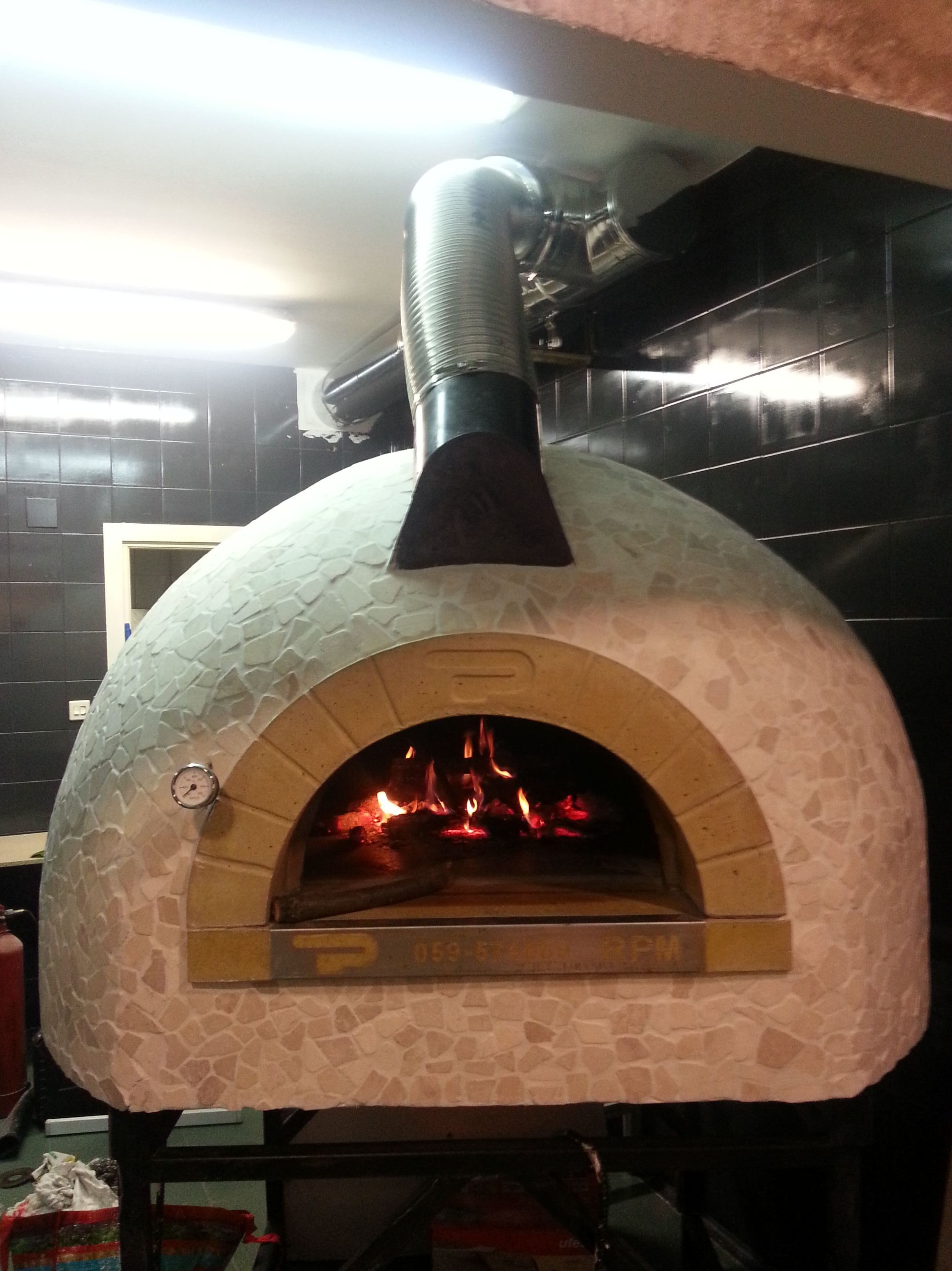 Trabajo realizado para una pizzería en Galdakano