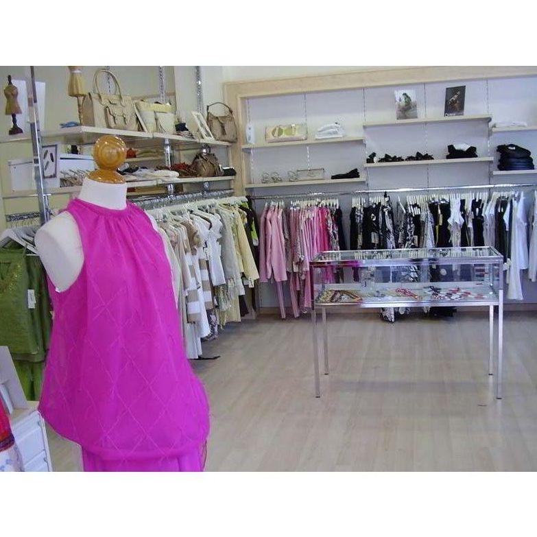 Mobiliario para tiendas de ropa: Nuestros Proyectos de Espacio 63