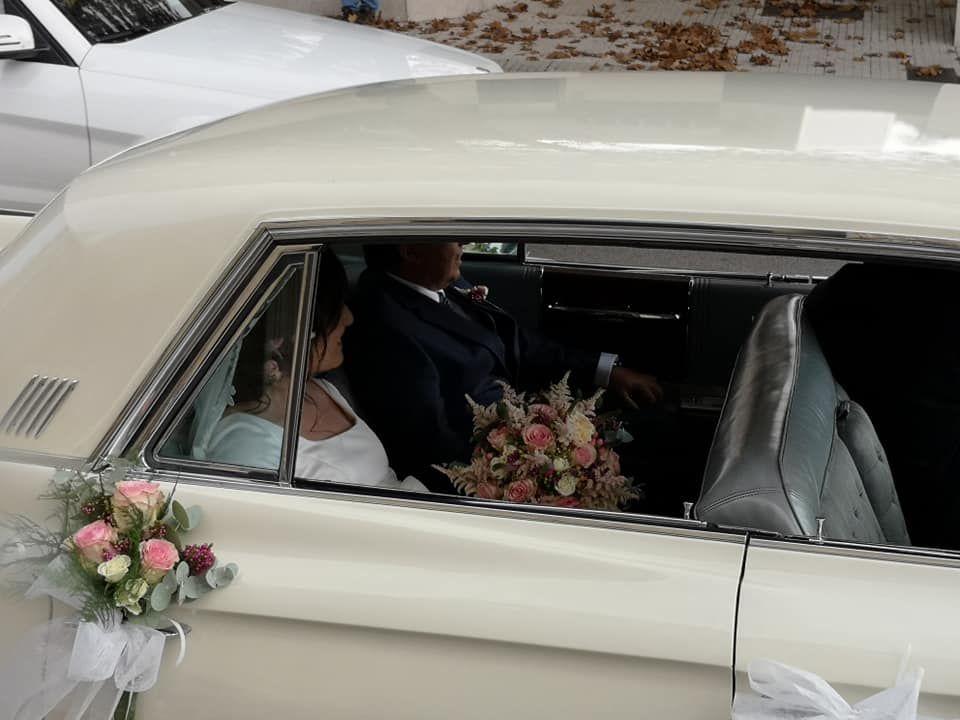 Decoración de coche de boda en Gijón