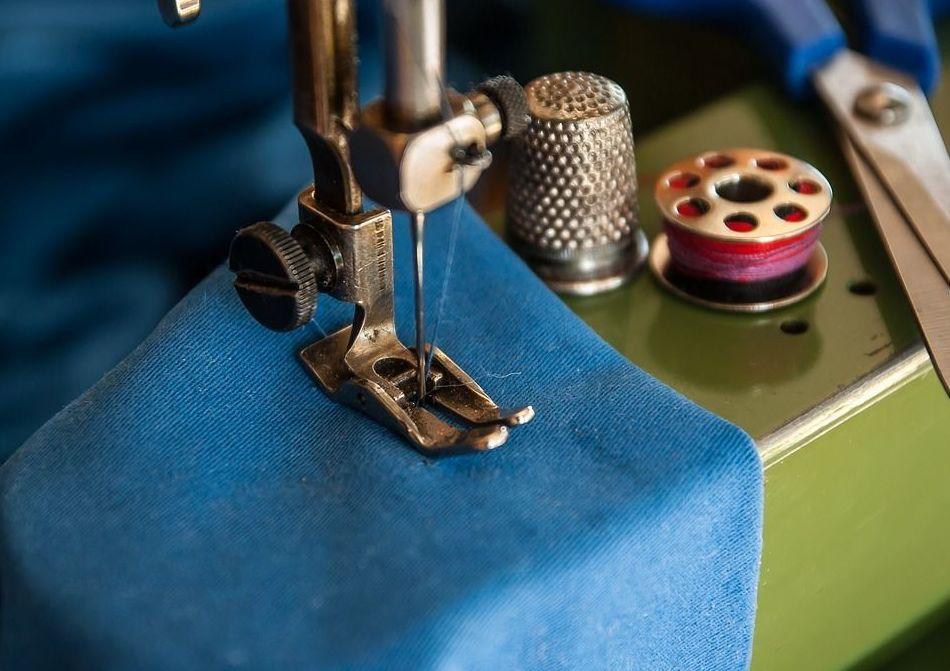 Servei de modista : Servicios  de Tintoreria Cel Obert