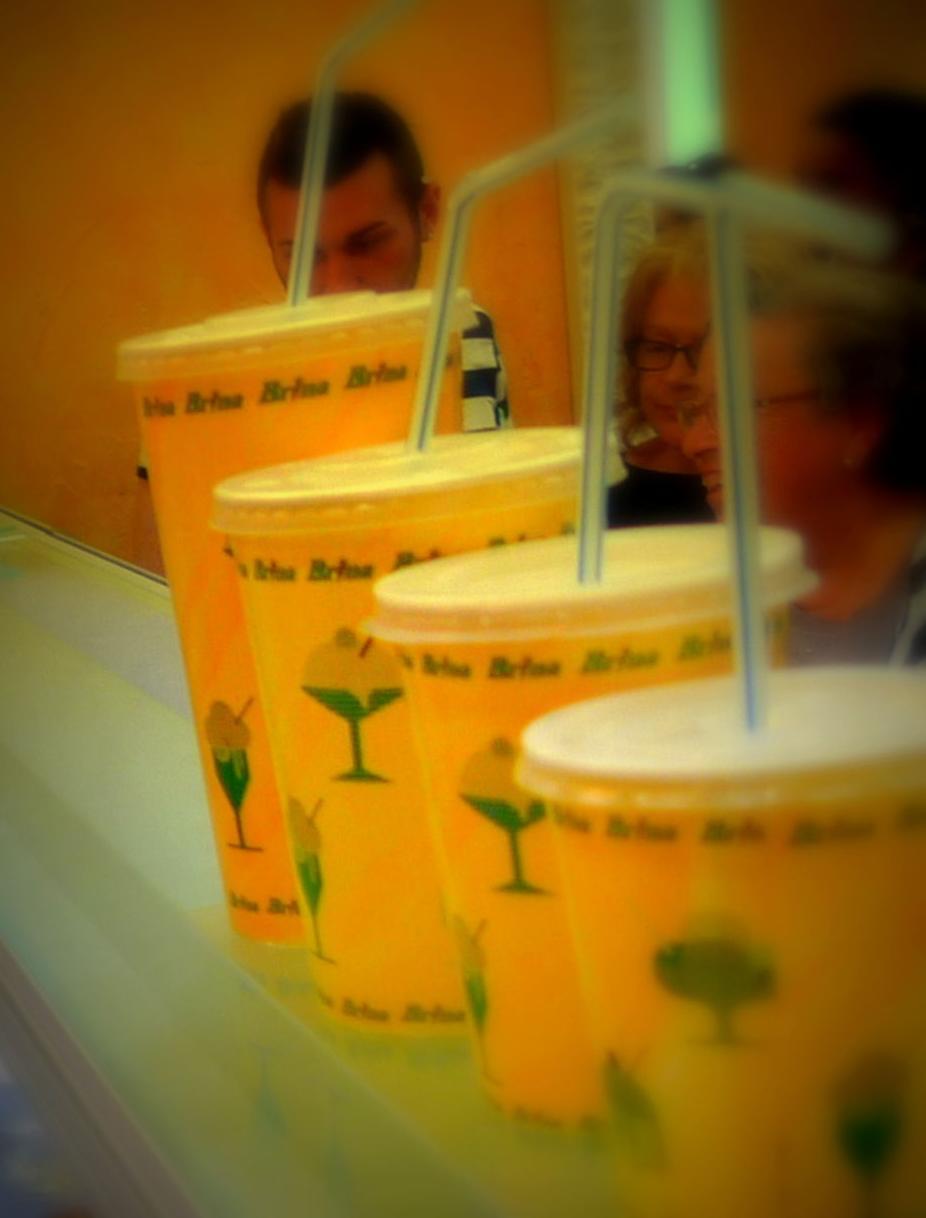 Granizados limón, naranja sanguina con fresón y crema de café
