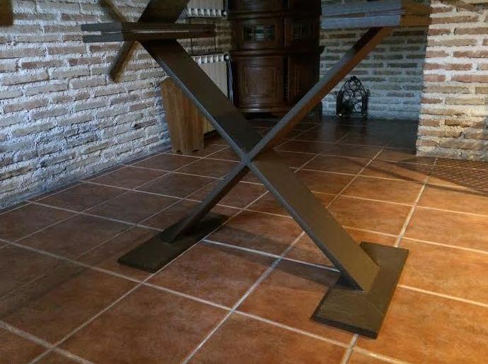 Mesa con forma de x