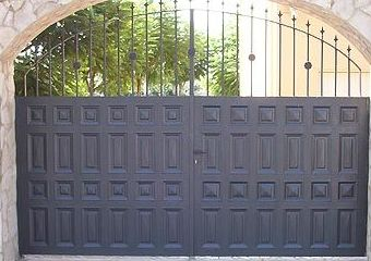 Puerta de cuarterón combinado
