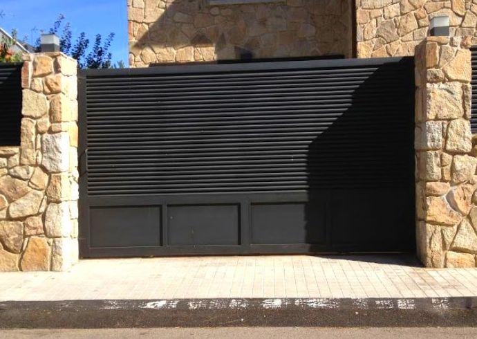 Foto 1 de Mobiliario de oficina en Moralzarzal | Lorenzo Horcajo C. Metálicas