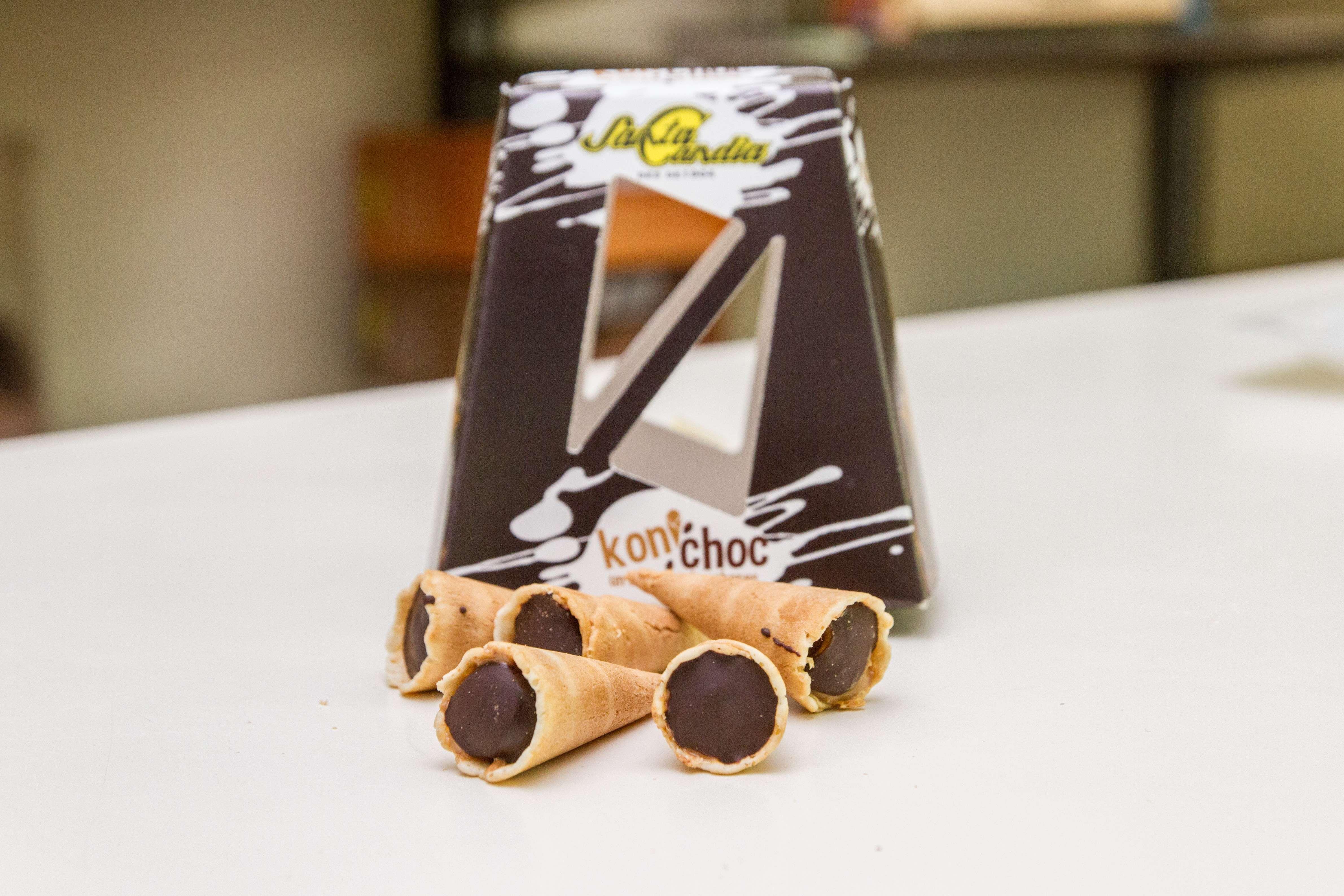 Barquillos con chocolate enTarragona