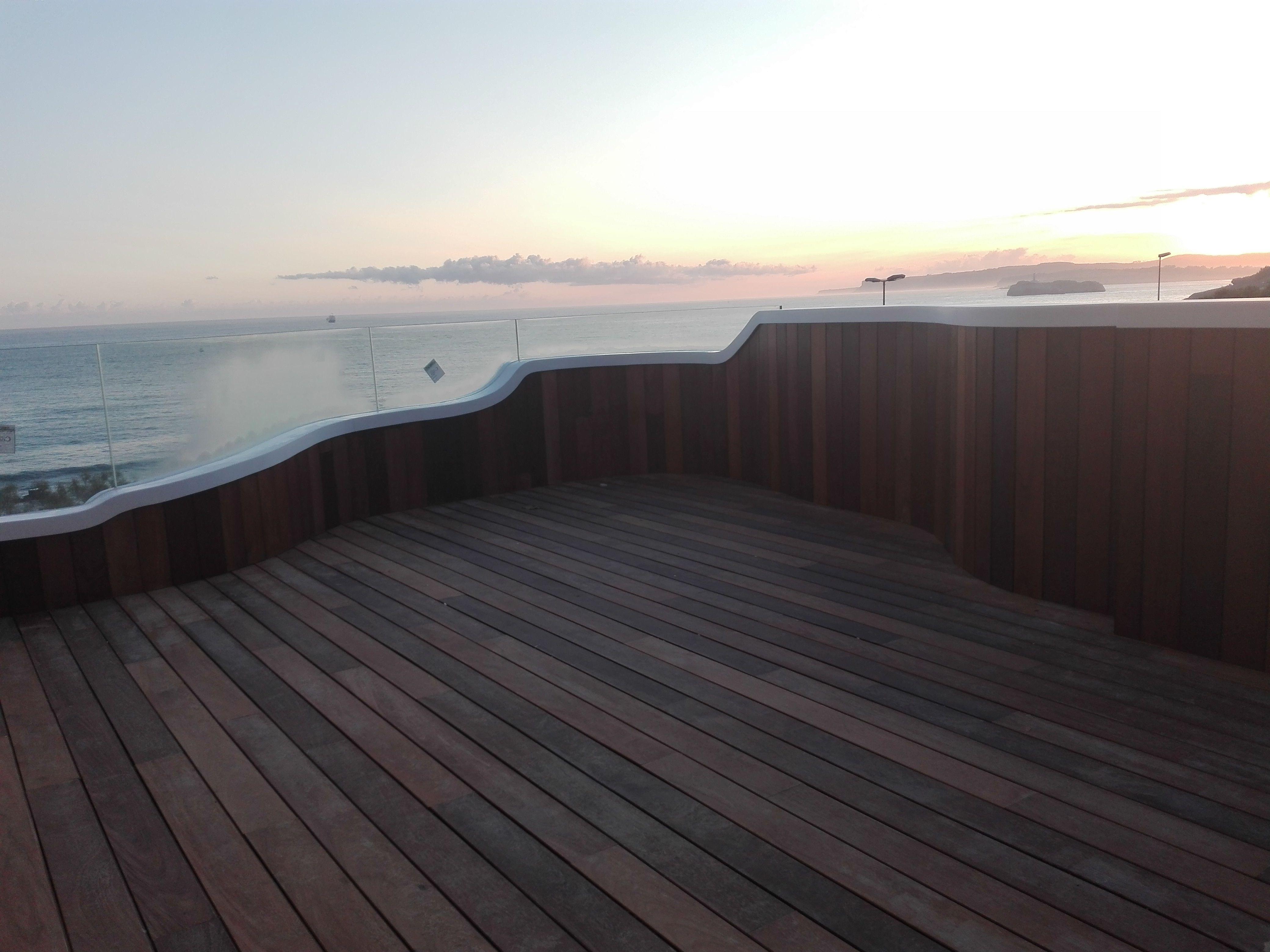Tarima exterior de madera en Santander