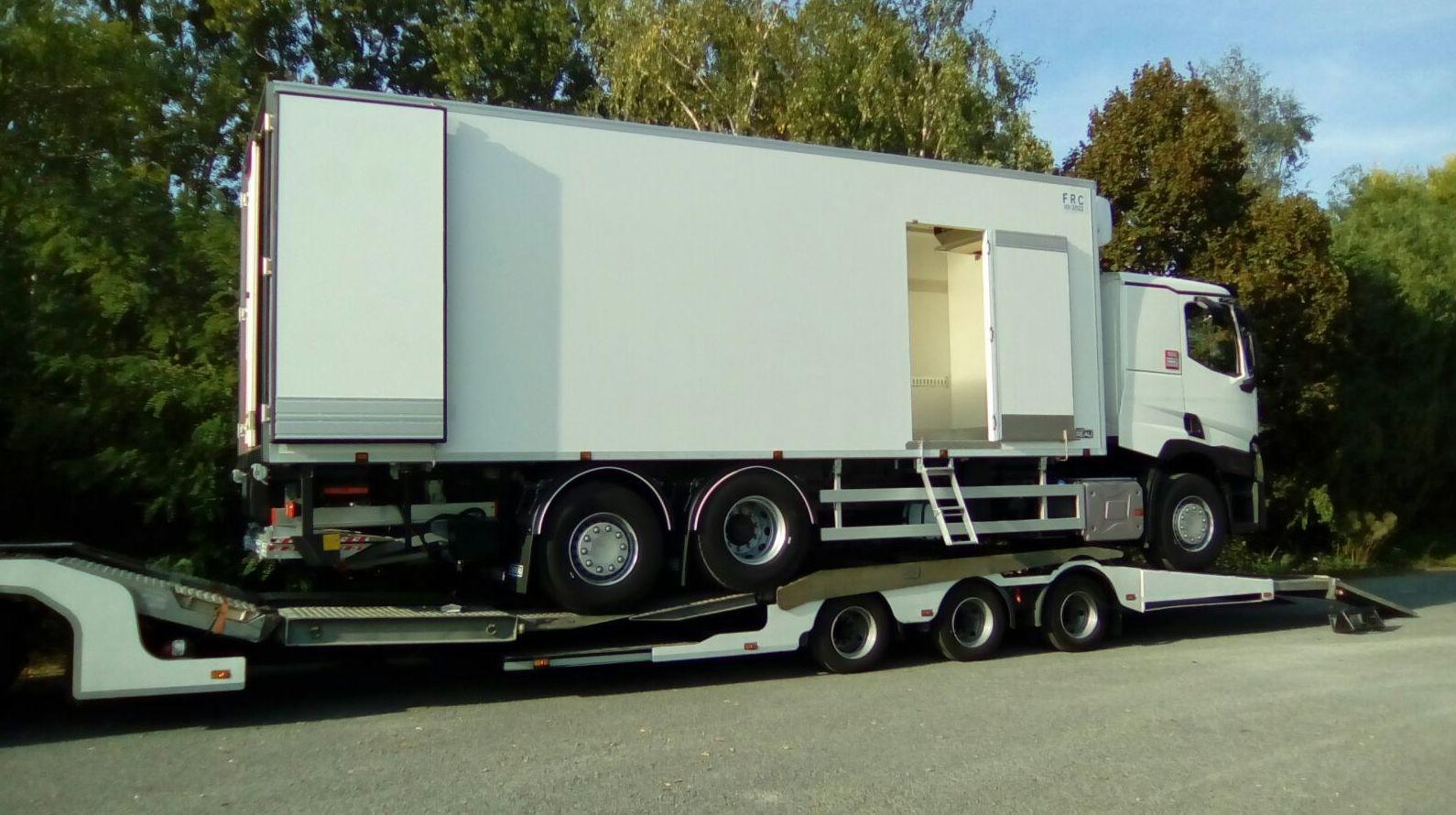 Transporte de camión frigorífico